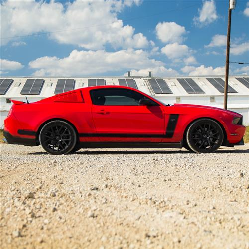 Mustang Boss Style Side L-Stripe Kit  - Gloss Black (10-12)