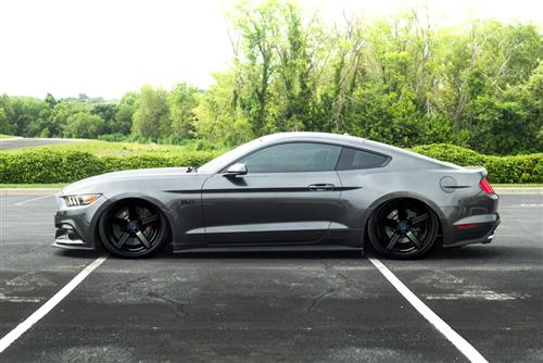 Mustang DF5 Wheel - 20x10 Piano Black (05-16)