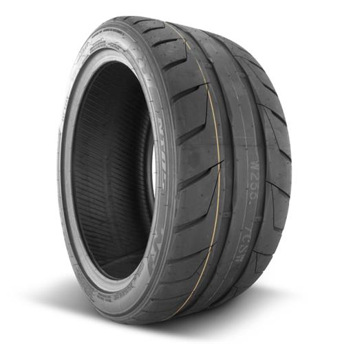 Nitto 255/35/20 NT05 Tire 207210