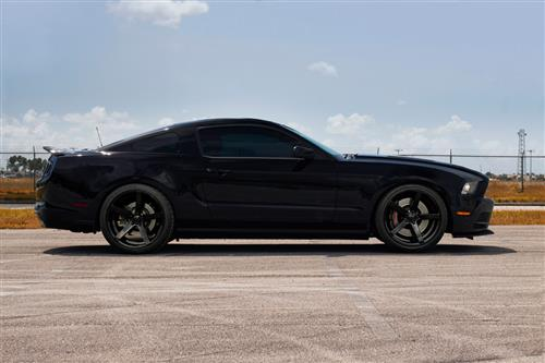 Rovos Mustang Durban Wheel & Tire Kit - 20x8.5/10 Gloss Black (05-14) Nitto NT05