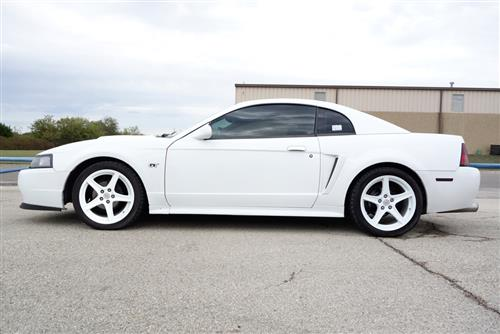 Mustang Staggered Saleen Wheel & Tire Kit - 18x9/10 White (94-04) Nitto NT05