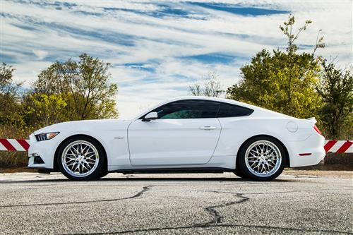 SVE Mustang Series 3 Wheel & Tire Kit - 20x8.5/10 Chrome (15-16)
