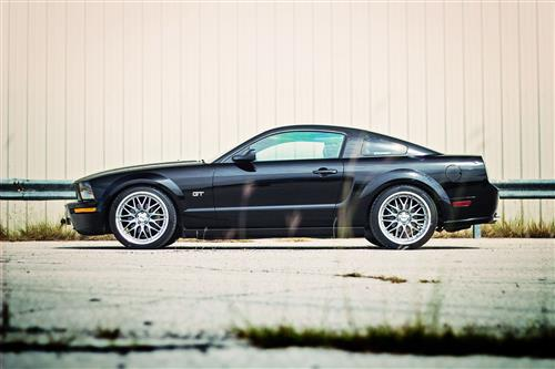 SVE Mustang Series 3 Wheel & Tire Kit - 20x8.5/10 Gunmetal w/ Mirror Lip (05-14) Nitto Invo