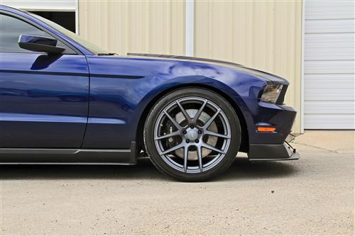 Velgen Mustang VMB5 Wheel & Tire Kit - 20x9, 10.5 Matte Gun Metal (05-14)