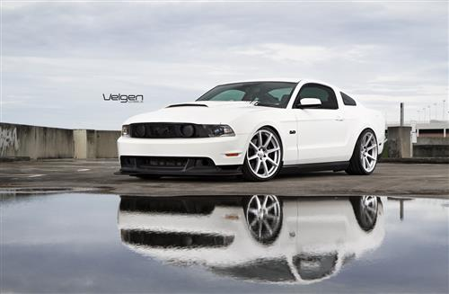 Velgen Mustang VMB8 Wheel & Nitto Invo Kit Silver (05-14)